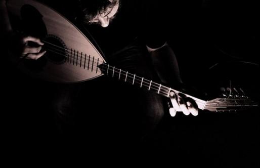 Giorgos Manolakis – Cançons de Grècia: La rembètica & La Música de Creta / Maig 19-24, 2016
